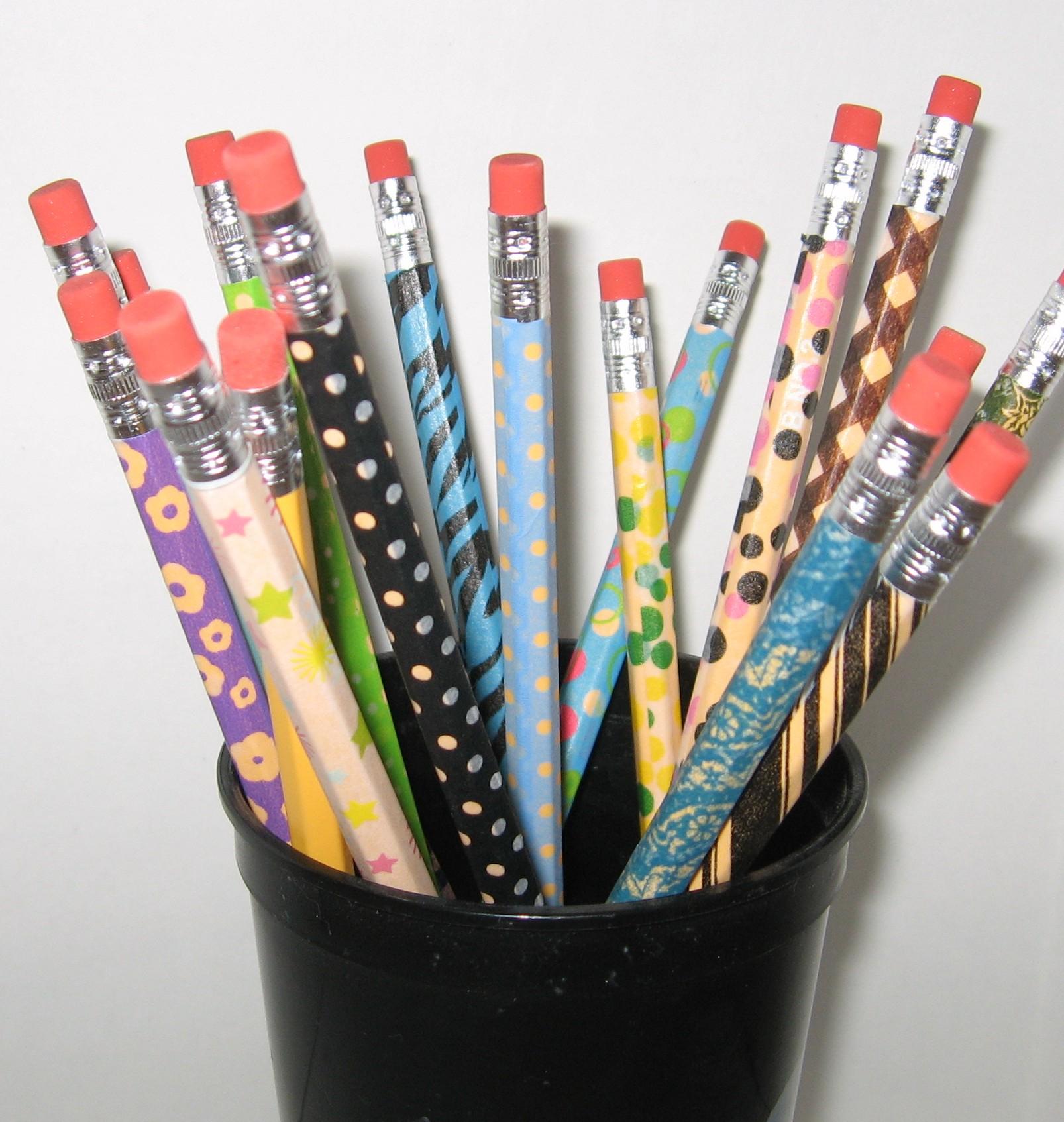 Dekortapasz a ceruzán - DIY iskolakezdési tippek