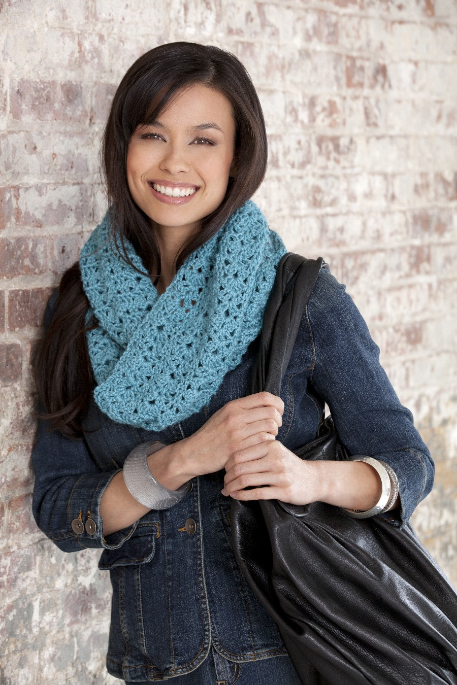 Bellflower Infinity Scarf – Free Pattern!!!! | hooked-on-crafting.com