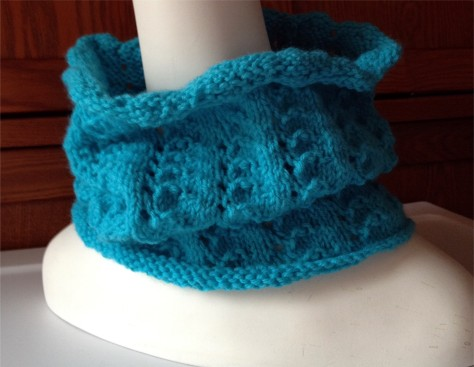 Mini Lace Cowl